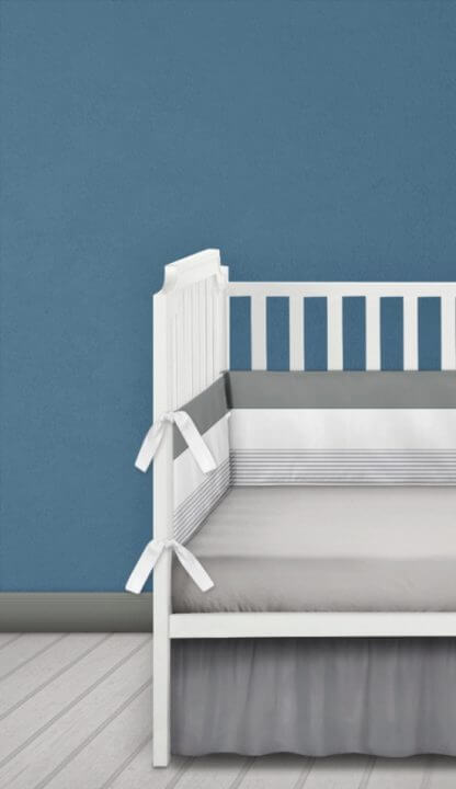 Cot bumper in grey and white stripes and white ties