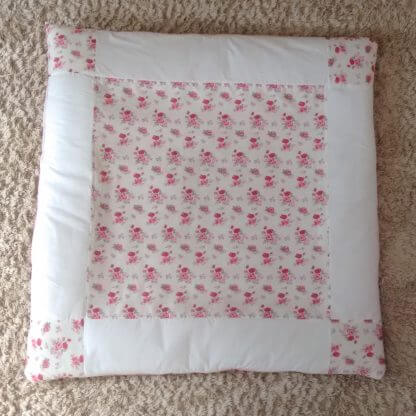 Floral baby girls play mat in pink and white